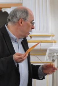 Pfarrer Tannhäuser beim Vortrag über das Land